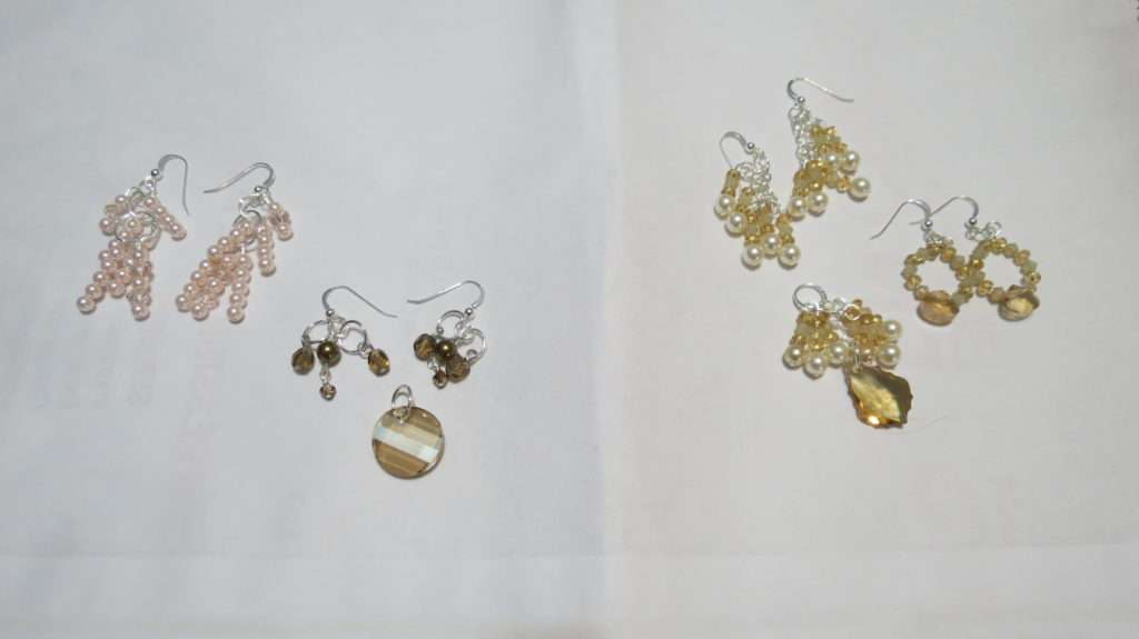 2 pendants and 4 pairs of earrings.